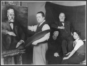 Toon Kelder en  Dr. J. Kalf, met respectievelijke echtgenotes, bij het portret van Kalf