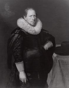 Portret van een man uit de familie Strick