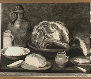 Stilleven met stuk vlees op een aardewerken bord