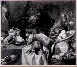 Stilleven van gevogelte, hazen, kip en de kop van een everzwijn; links een hond en rechts een kat