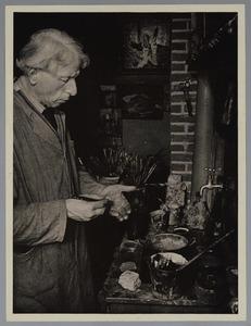 Martin Monnickendam in zijn atelier