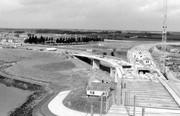 Aanleg verbindingswegen met nieuwe brug over het Schelde Rijn kanaal