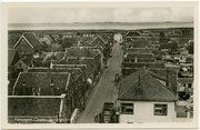 Luchtfoto Sint-Annaland met Voorstraat.