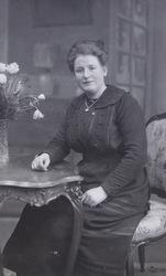 Anna de Jong geboren 16-5-1897 te Oud-Vossemeer