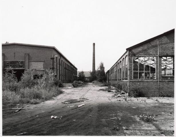 033712 - Chemische industrie. Fabriek van Chemicaliën Franken-Donders United Aniline Works, later N.V. Frado genaamd. Het bedrijf werd in 1980 opgeheven en rond 1986 gesloopt.