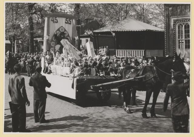 080807 - 10 jaar bevrijding. 1945-1955. No.18 Good old Winnie. Buur: Slimstraat en Schoorstraat ged.