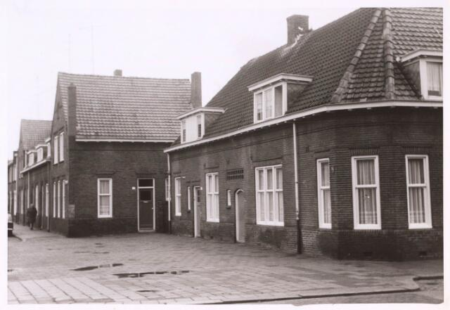 022897 - Panden aan de Jan Grewenstraat