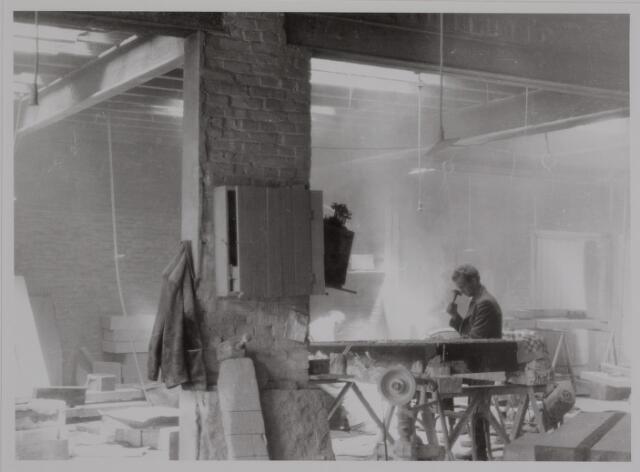 040483 - Interieur van Steenhouwerij Van Wesel