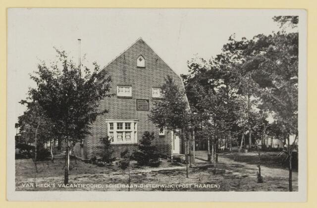 074814 - Scheibaan. vakantiecentrum 'Duinven' en het exterieur van Heck's vakantieoord beide gelegen aan de Scheibaan.