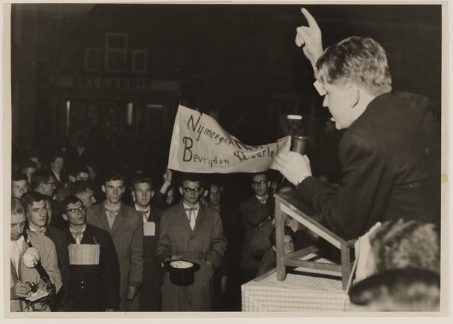 084653 - Nijmeegse studenten lijven Baarle bij België in