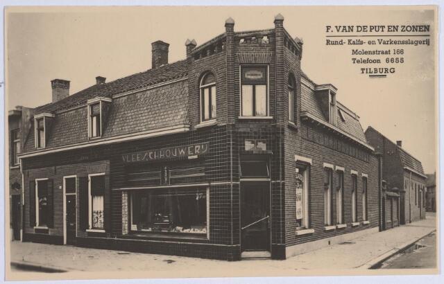 026596 - Slagerij F. van de Put aan de Molenstraat 166 in de eerste helft van de vorige eeuw