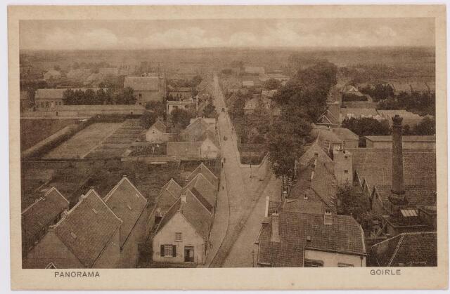 046616 - De Kloosterstraat (links) en Tilburgseweg (rechts) in vogelvlucht. Rechts de fabriek van de firma Van de Lisdonk. Rechts op de voorgrond het voormalige postkantoor.