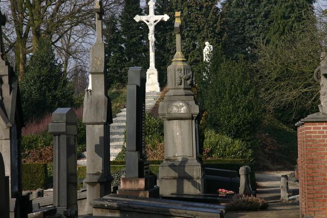 656596 - Kerkhof Bredaseweg Tilburg 2010.