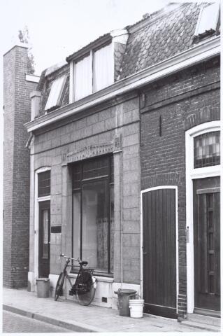 017208 - Voormalig winkelpand Capucijnenstraat 2 anno 1969