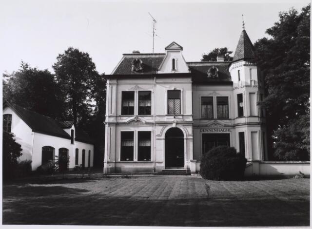 023981 - Huize Dennenhaghe van de familie Verschuuren - Piron op Koningshoeven in 1983
