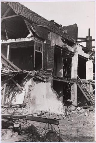 030903 - Schoolstraat. Sloop van de Kaardenfabriek. (foto gemaakt in periode 1972-1980)