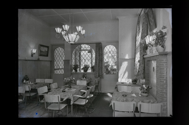 654633 - Interieur. Cafetaria Dirks.