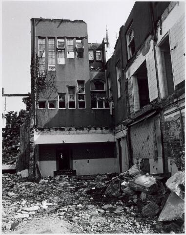 021528 - Sloop van Hotel Riche in 1978 ten behoeve van de bouw van winkelcentrum Heuvelpoort