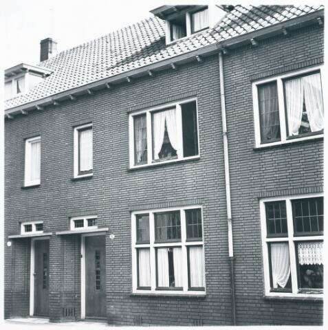 027993 - Woningen aan Koningsstraat 10-12, nu Paleisring.