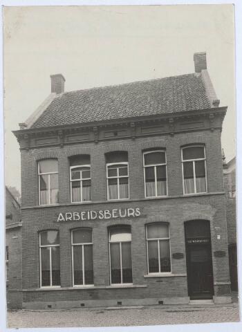 027803 - Arbeidsbeurs Tilburg op de Oude Markt