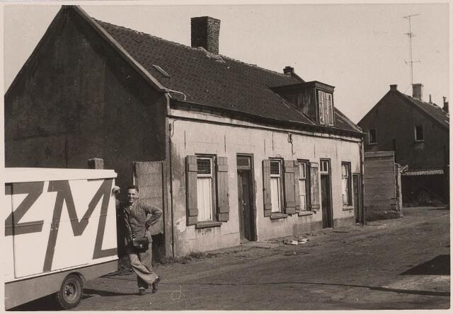 023039 - Slooppanden in de Joannes van Oisterwijkstraat eind 1962