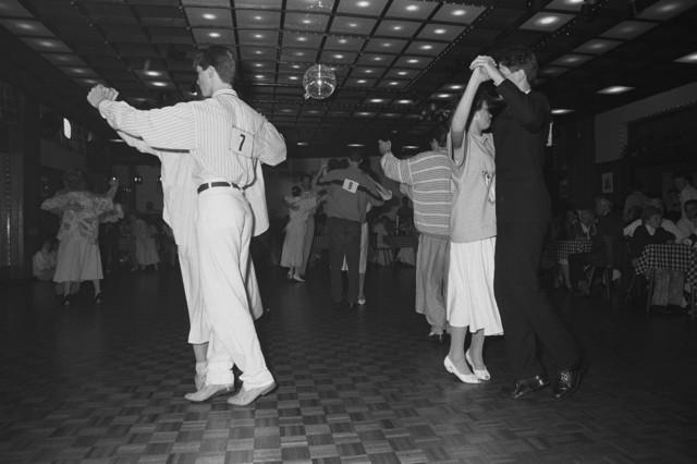 TLB023002516_002 - Een stijldans wedstrijd