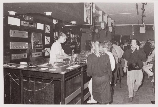040548 - Café Variété, Langestraat 23.