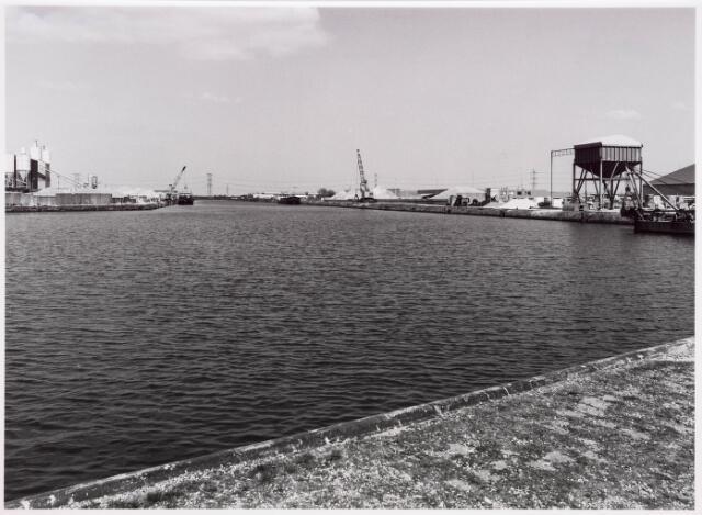 034812 - Industriehaven aan het Wilhelminakanaal