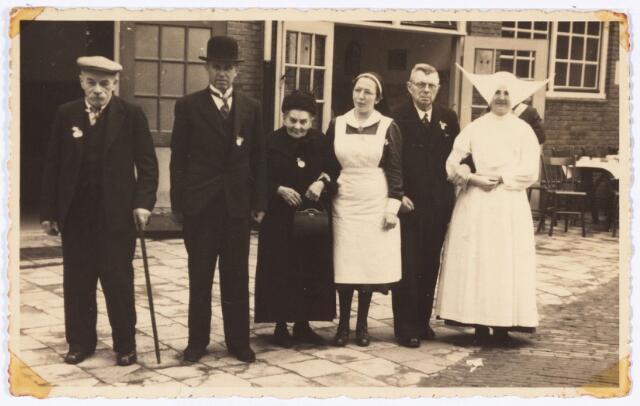 008700 - In de parochie  Goirke werd van 12 tot 15 september 1939 een ziekentriduum gehouden voor de zieken in het noordelijk stadsdeel. In het Roomsch Leven werd een oproep gedaan om het Triduum financieel te steunen en werd in het noordelijk stadsgedeelte gecollecteerd.  Goirke 1939.