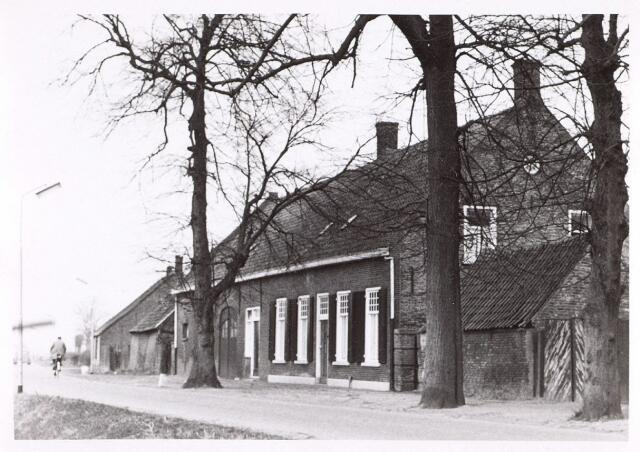 014529 - Boerderij aan de Stokhasseltstraat (Bellinistraat) anno 1963