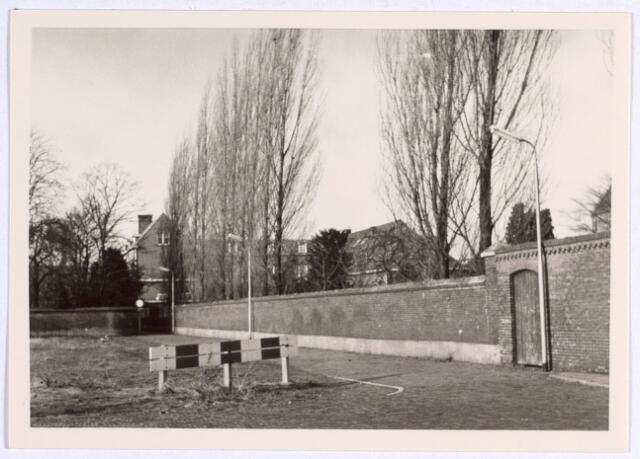 015038 - Veldstraat (nu Bisschop Aelenstraat). Dit gedeelte werd het ´Zusterstraatje` genoemd en kwam uit op de Goirkestraat
