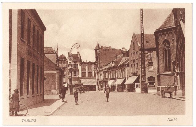 001820 - Oude Markt, voorheen Markt. Links hotel de Gouden Zwaan van de familie Broeckx.