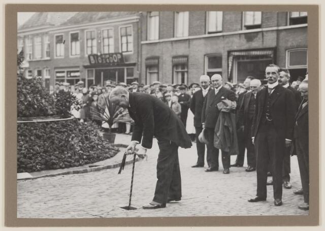 075488 - Oficiele opening Waterleiding te Oisterwijk en hier te Boxtel op 15 october 1929.