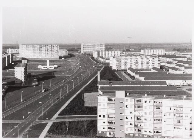 036536 - Panorama van Tilburg vanaf de flat aan de Mozartlaan. Stokhasseltlaan richting Loon op Zand.