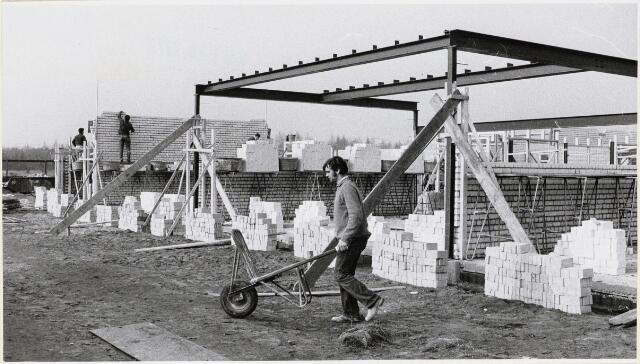 100786 - Onderwijs. Nieuwbouw derde basisschool Oosterheide.