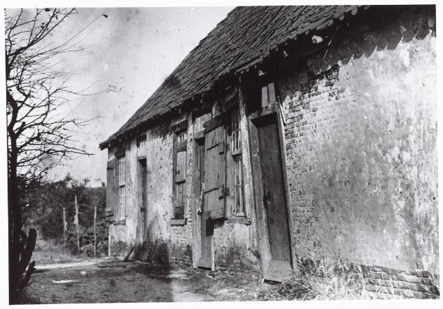 027390 - Volkshuisvesting en zedelijkheid. Krotwoning.
