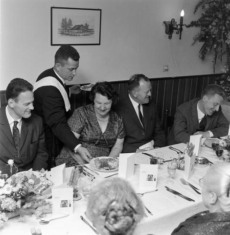 1237_012_1001_003 - Textiel. Garenfabriek . Van Besouw. Jubilarissen 1967. Diner