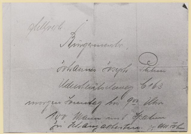 077465 - Tweede wereldoorlog 1940-1945. Foto van het briefje dat wethouder J. Palm van de Duitsers krijgt. Hierin moet hij , de dag na de explosie van de munitietrein, voor honderd mensen zorgen om de boel op te ruimen.