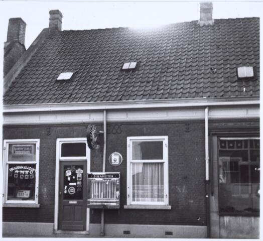 020563 - Tabakswinkel van J. Smid - De Cock in de Hasseltstraat