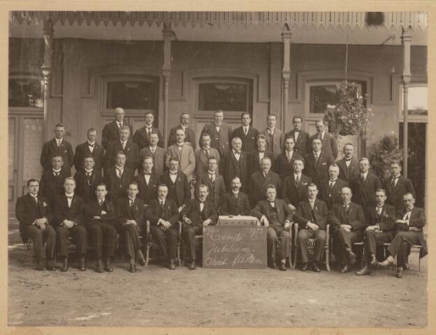 101358 - Huis van Oranje. Comité Jubileum Oranjefeesten.
