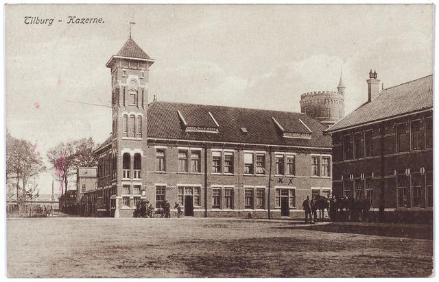 000204 - De Generaal Kromhout kazerne aan de Bredaseweg. Links het wachtgebouw, op de achtergrond de watertoren.