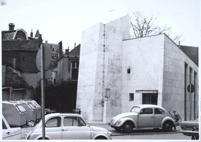 023446 - Kapelhof met de kapel van Onze Lieve Vrouw ter Nood begin 1968
