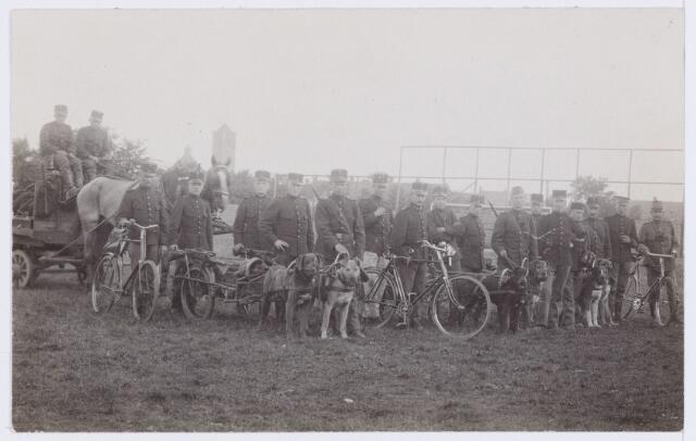 053608 - Mobilisatie. Eerste Wereldoorlog 1914 - 1918; Oefening in de omgeving van Broekhoven