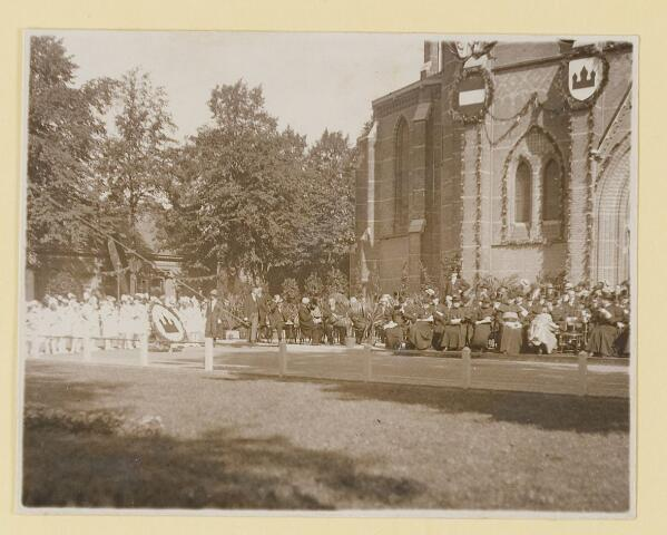 075455 - Onthulling standbeeld Pater Poirters (1926).  Onthulling door Jonkheer Van Sasse van IJsselt op 19 september 1926.