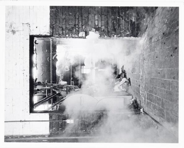038122 - Textielindustrie. Interieur van de Firma Wolkat, lompengroothandel.