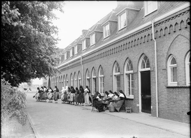 604563 - Trappistinnenabdij O.L.V. van Koningsoord te Berkel-Enschot.
