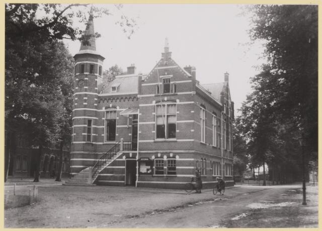 076535 - Het Raadhuis van Oisterwijk.