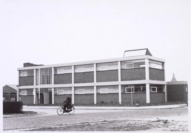 019027 - Bedrijfspand aan de Goirkekanaaldijk 38 eind maart 1967