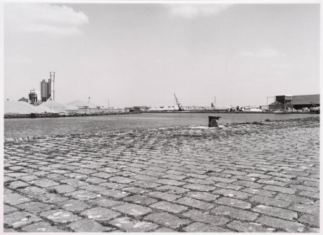 034814 - Industriehaven aan het Wilhelminakanaal