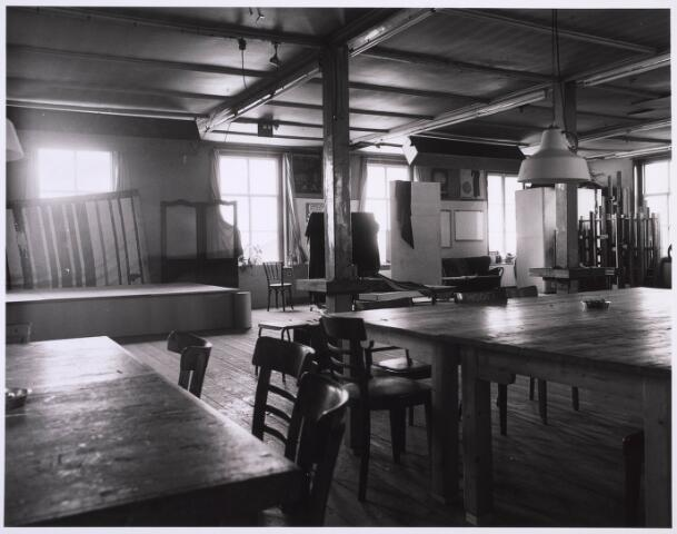 023223 - Duvelhok. Werkcentrum voor beeldende expressie. Interieur vóór de restauratie